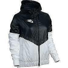 Women's Nike 'Windrunner' Hooded Windbreaker, Size Medium -