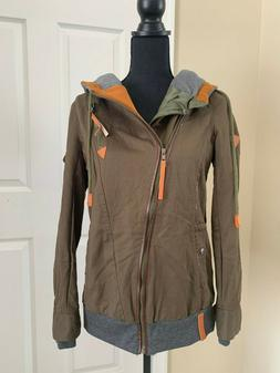 Women's Green Jacket with hood and pockets - Large